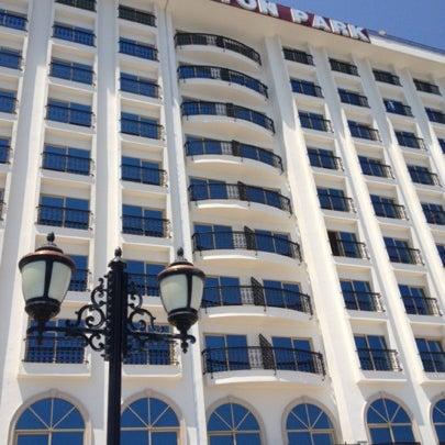 Foto tomada en Harrington Park Resort Hotel por Aycan el 8/5/2012