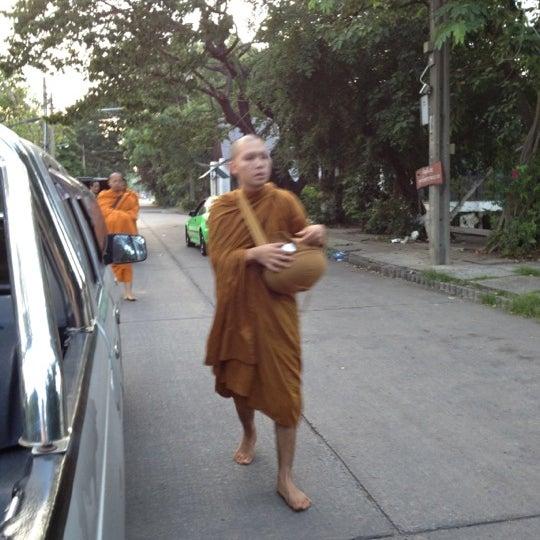 Photo taken at ลานใส่บาตร by Som O D. on 6/21/2012
