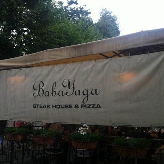 Foto scattata a Baba Yaga da Lola 👯 L. il 7/6/2012