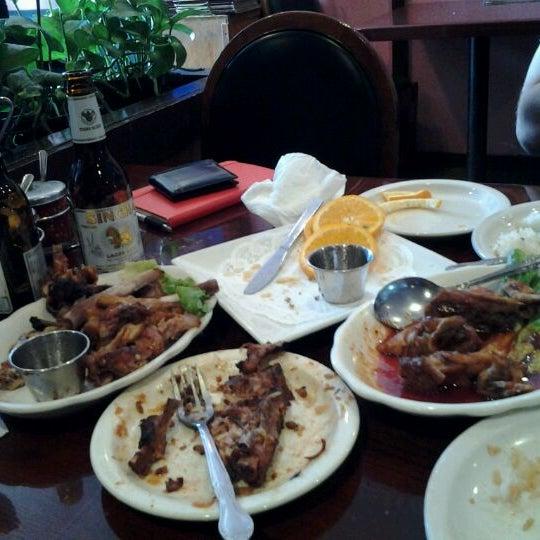 รูปภาพถ่ายที่ Thai Original BBQ & Restaurant โดย Todd S. เมื่อ 4/6/2012