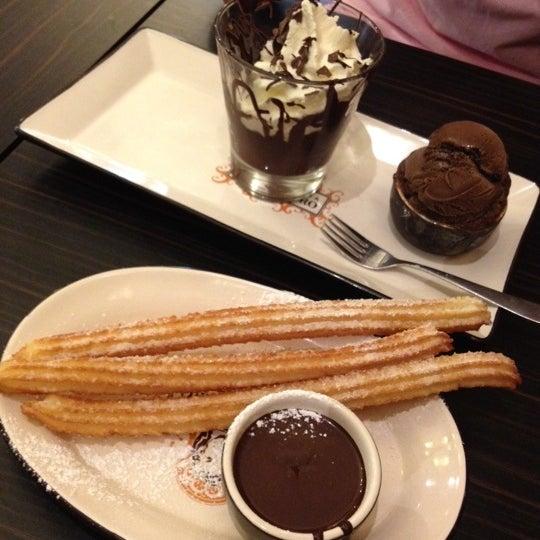 Foto diambil di Chocolateria San Churro oleh TaATaE W. pada 4/22/2012