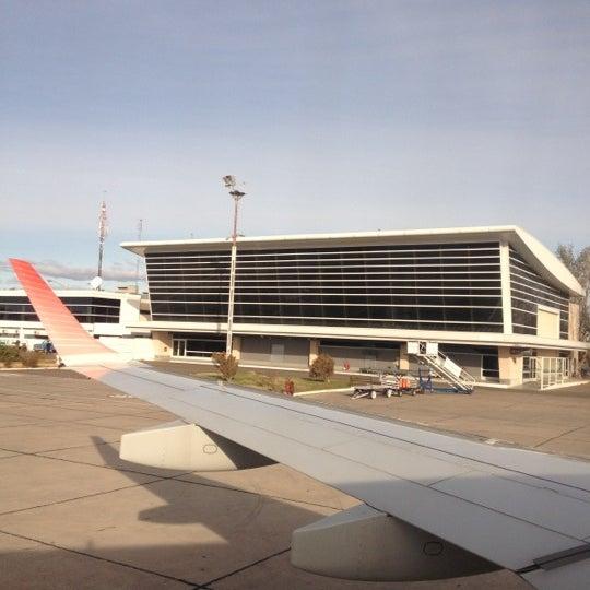 Foto tomada en Aeropuerto Internacional del Neuquén - Presidente Juan D. Perón (NQN) por Luciano B. el 5/30/2012