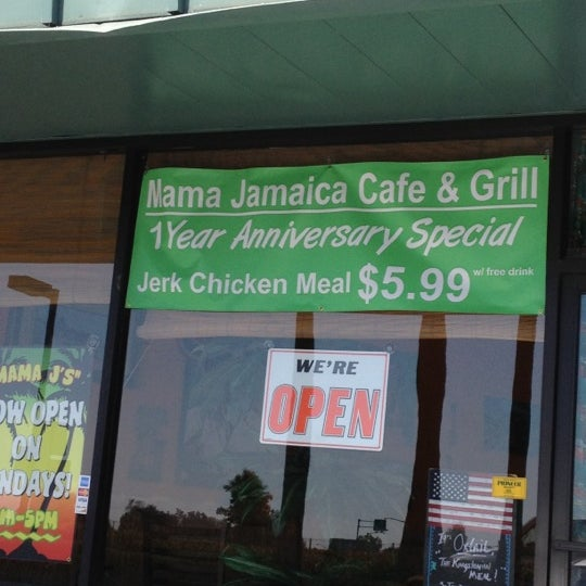Photo taken at Mama Jamaica's Kitchen by Justin C. on 6/21/2012
