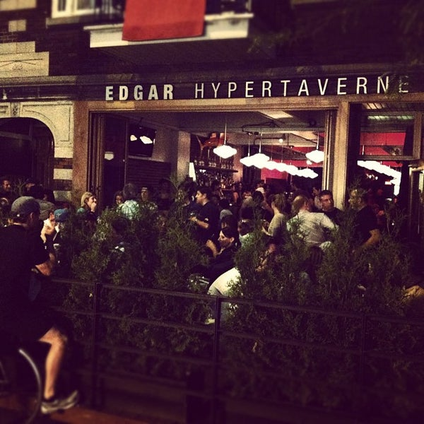 Photo taken at Edgar Hypertaverne by Maximilien  on 6/8/2012