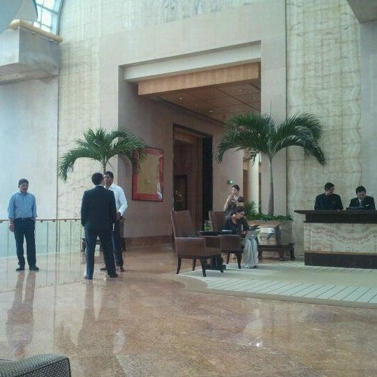 Photo taken at The Ritz-Carlton Millenia Singapore by Jouko A. on 5/24/2012