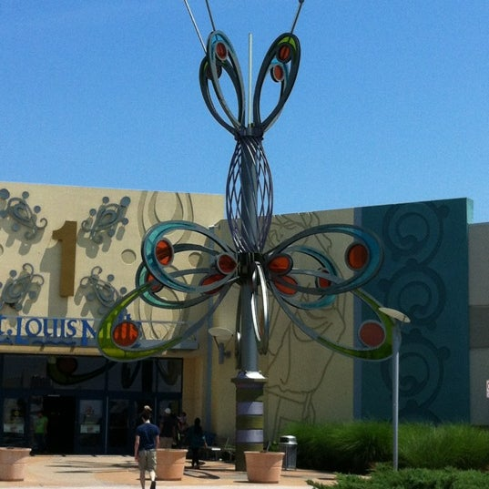 Photo taken at St. Louis Outlet Mall by Alida T. on 5/13/2012