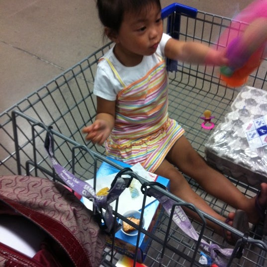 Photo taken at Sam's Club by Ivy Rose M. on 3/31/2012