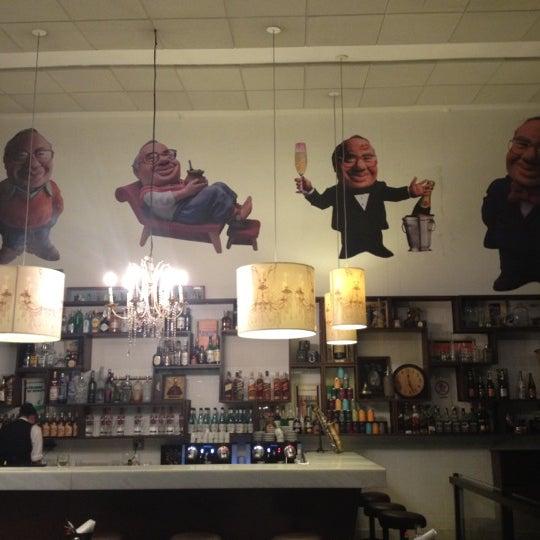 Foto tirada no(a) Verissimo Bar por Andre C. em 9/3/2012