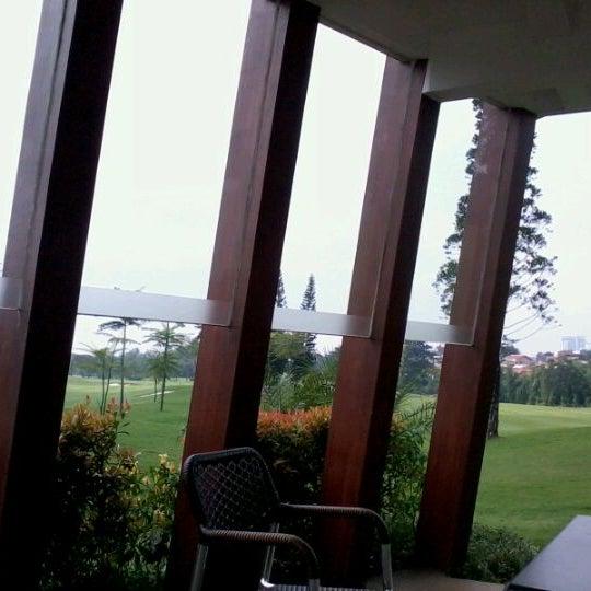 4/23/2012 tarihinde Yofita M.ziyaretçi tarafından Pondok Indah Golf & Country Club'de çekilen fotoğraf