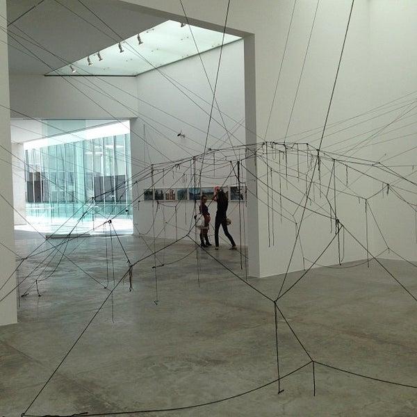 Foto tomada en MUAC (Museo Universitario de Arte Contemporáneo). por Mark W. el 7/28/2012