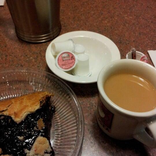 Photo taken at Shari's Restaurant by Seth L. on 7/26/2012