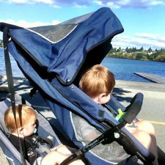 Photo taken at Green Lake Boathouse by Erik B. on 8/30/2012