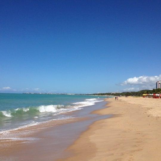 รูปภาพถ่ายที่ Praia de Guaxuma โดย Tercio G. เมื่อ 5/13/2012