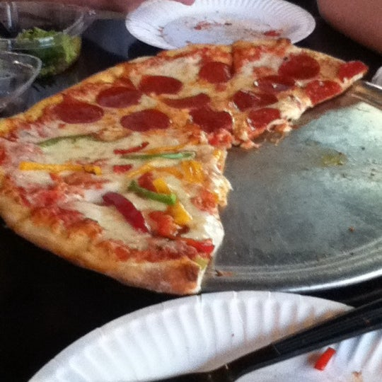 Photo taken at Pizza Re by Noele R. on 4/26/2012