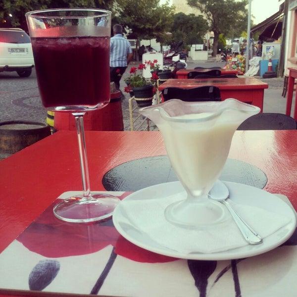 9/9/2012 tarihinde nryziyaretçi tarafından Ada Cafe'de çekilen fotoğraf