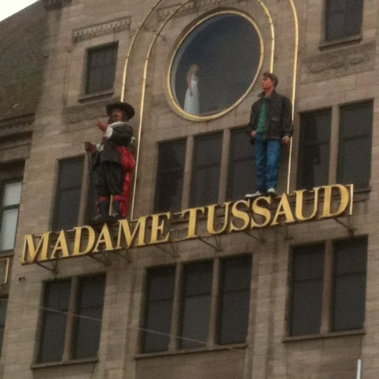 Photo taken at Madame Tussauds by Marcelo G. on 6/9/2012