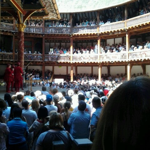 Photo taken at Shakespeare's Globe Theatre by Lilly N. on 7/24/2012