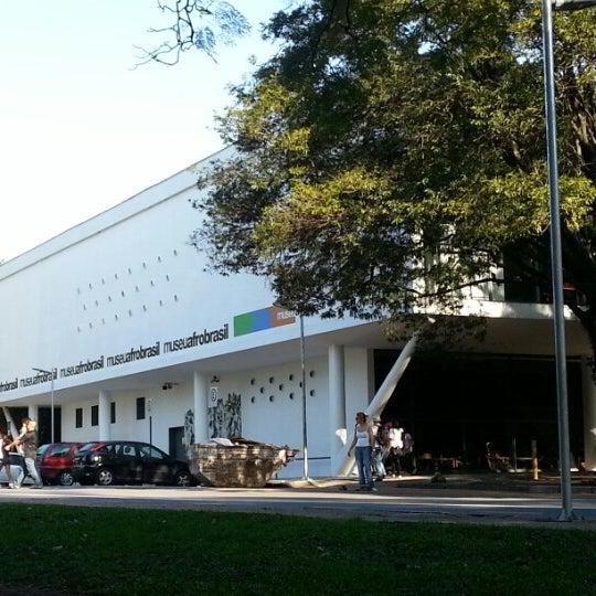 Foto tirada no(a) Museu Afrobrasil por Robson S. em 6/24/2012