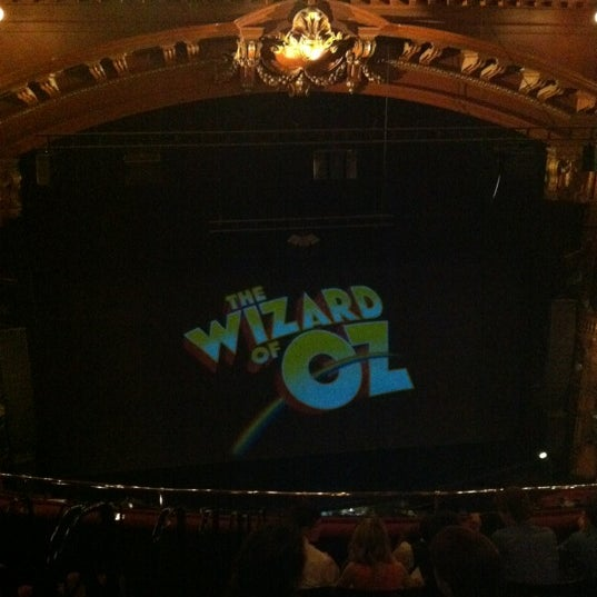 Foto scattata a The London Palladium da Peter H. il 7/10/2012