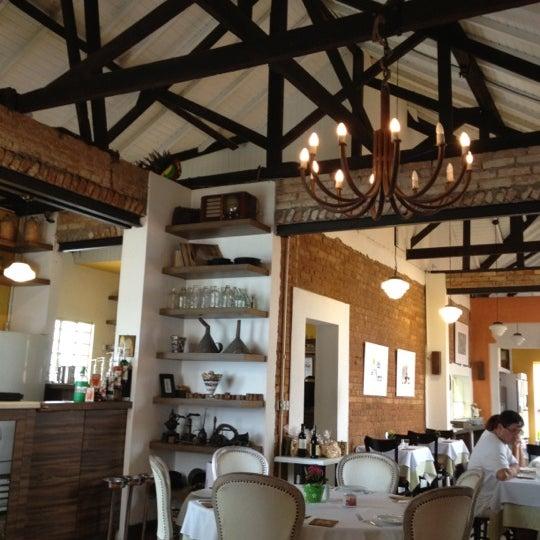 Foto tirada no(a) Zeffiro Restaurante por Sindoval F. em 2/20/2012