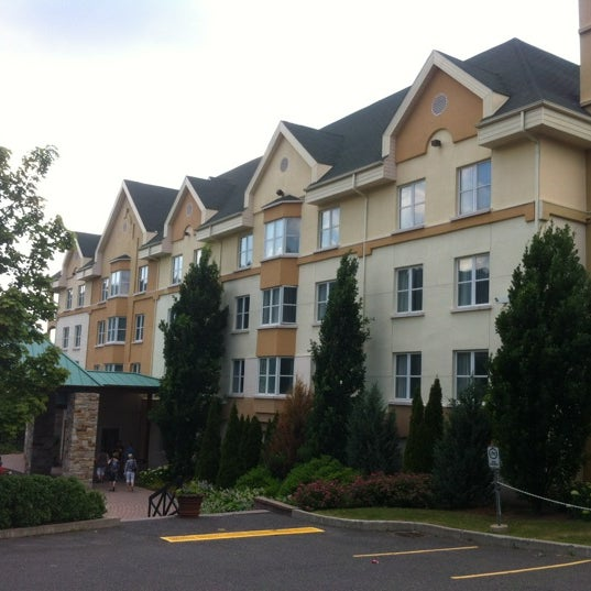 Photo taken at Hotel Château-Bromont by Hugo on 6/30/2012
