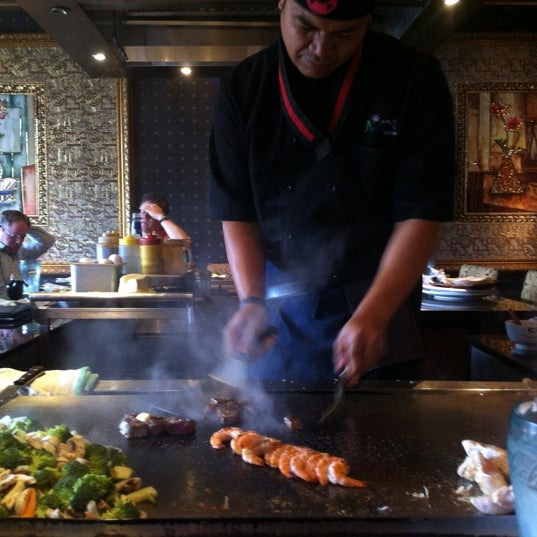 Photo taken at Aomi Japanese Steakhouse by 🇬🇧Alphonso G. on 8/16/2012