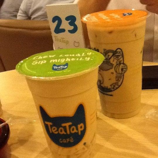 2/3/2012 tarihinde Ira L.ziyaretçi tarafından TeaTap Cafe'de çekilen fotoğraf