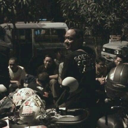 Photo taken at Pusat Kuliner Jajan Makan TMP Kalibata by cossaadisura™ on 8/21/2012