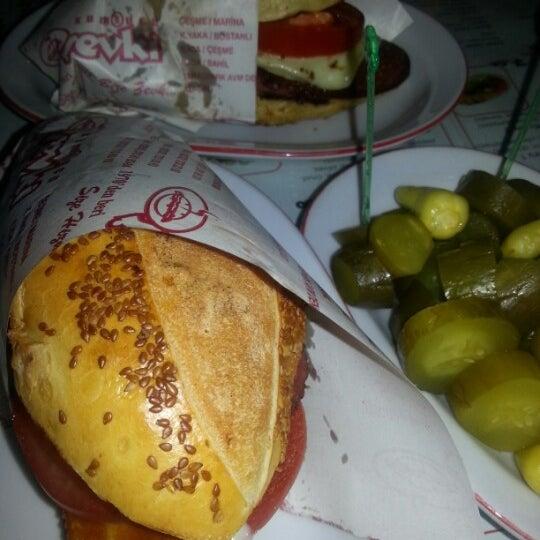 8/21/2012 tarihinde Gülşen Ü.ziyaretçi tarafından Kumrucu Şevki'de çekilen fotoğraf