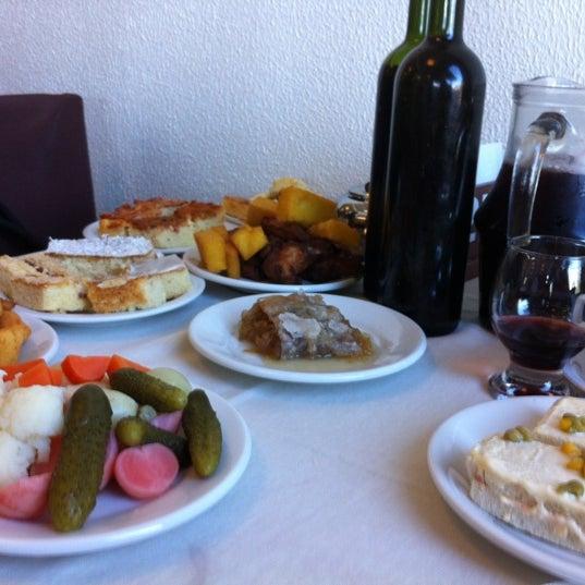 Foto tirada no(a) Coelho Café Colonial por Cíntia V. em 7/8/2012