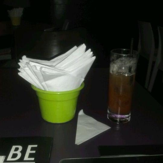 Foto scattata a Meza Bar da Erasmo E. il 5/4/2012