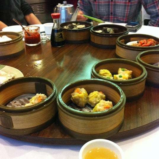 Photo taken at Canton Dim Sum & Seafood Restaurant by Michael T. on 3/14/2012