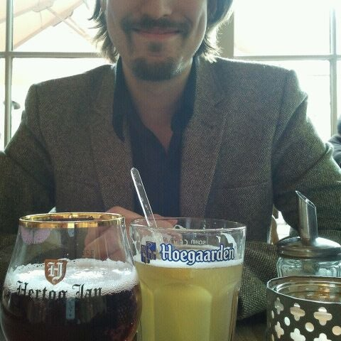 Photo taken at Fabel's by Ana A. on 5/5/2012