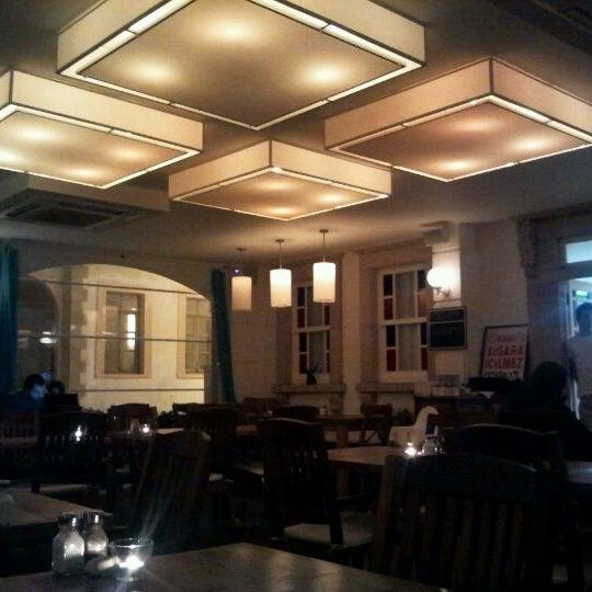 4/5/2012 tarihinde Arda A.ziyaretçi tarafından Uno Restaurant'de çekilen fotoğraf