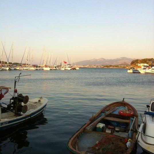 8/13/2012 tarihinde Hakan Ç.ziyaretçi tarafından Yengeç Restaurant'de çekilen fotoğraf
