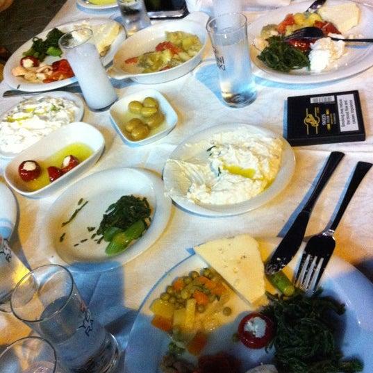 6/9/2012 tarihinde TC Onur K.ziyaretçi tarafından Cunda Deniz Restaurant'de çekilen fotoğraf
