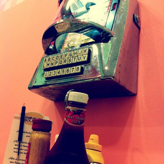 Photo taken at Peggy Sue's by Mireia G. on 8/27/2012