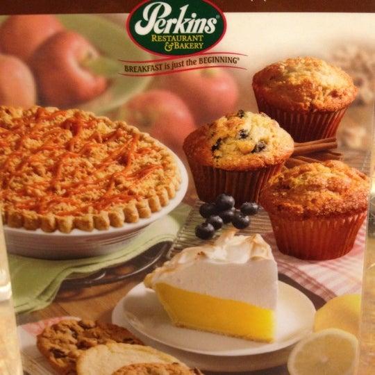 Photo taken at Perkins Restaurant & Bakery by Arnaldo C. on 2/19/2012