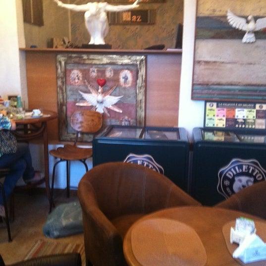 Foto tirada no(a) Florbela Café por Carlos G. em 8/19/2012