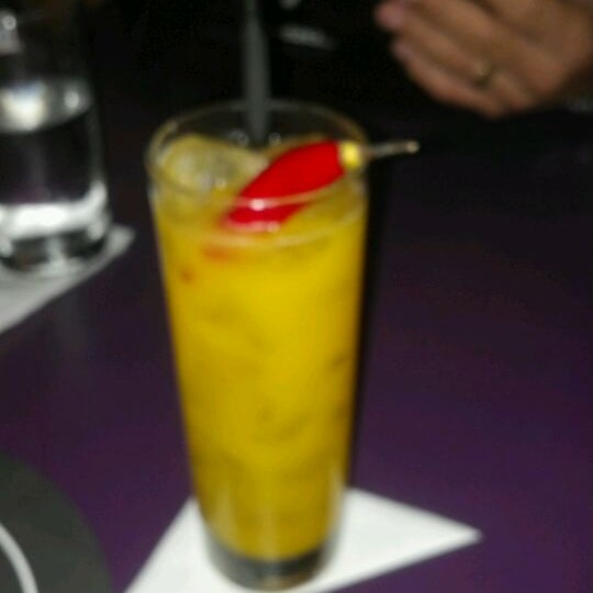 Foto tirada no(a) Meza Bar por Anna Z. em 3/25/2012