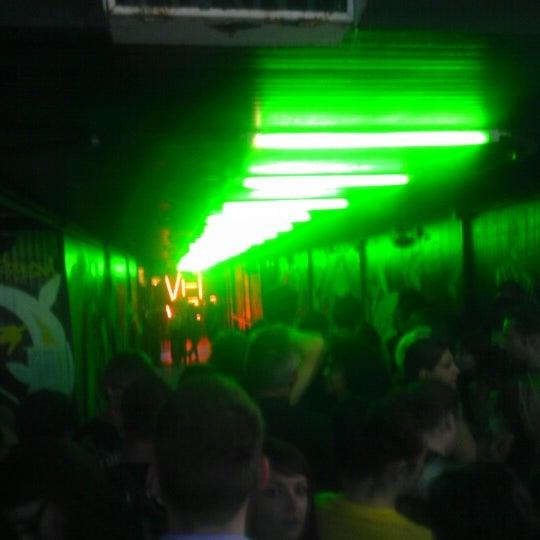 Foto scattata a Velvet Club & Factory da Nicole il 8/7/2012