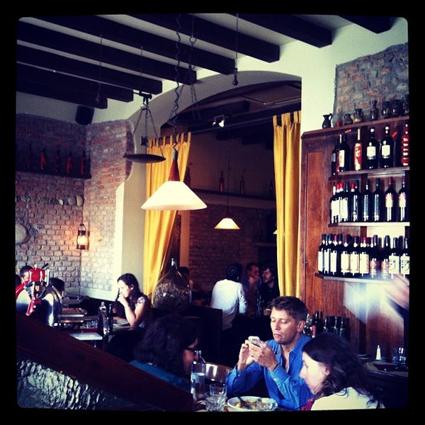 Photo taken at Osteria del Sognatore by Linz S. on 9/5/2012