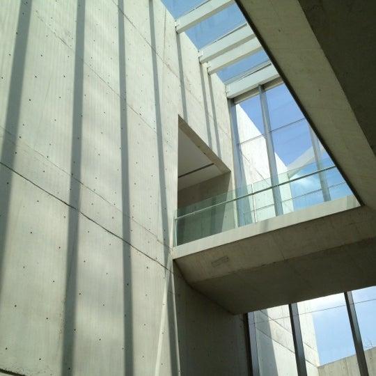 Foto tomada en MUAC (Museo Universitario de Arte Contemporáneo). por Franciscko S. el 8/26/2012