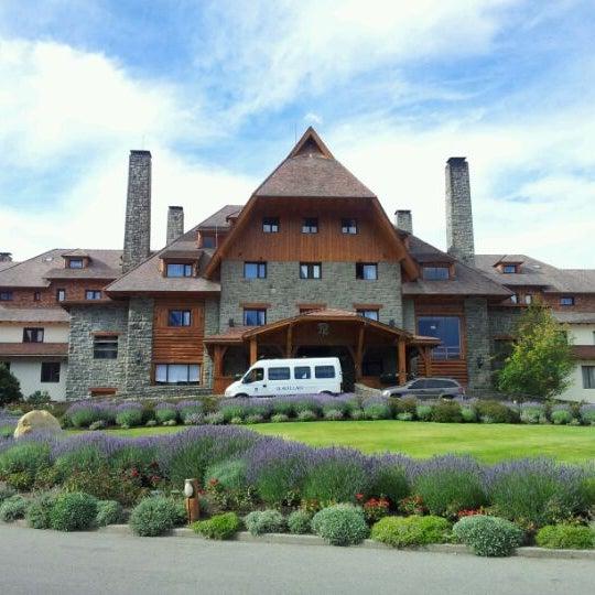 Foto tomada en Llao Llao Hotel & Resort por Ismael B. el 2/12/2012