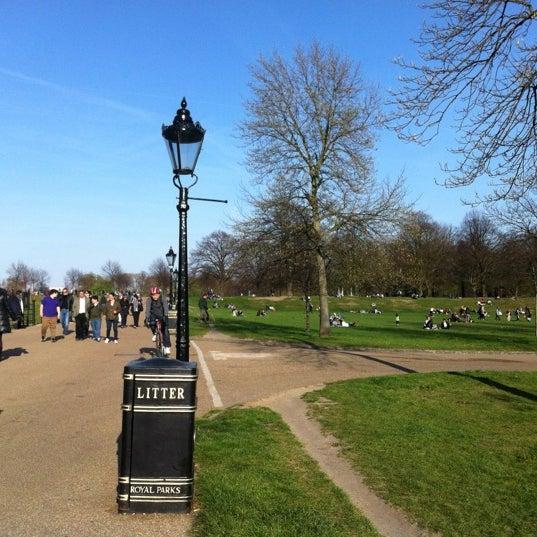 Photo taken at Kensington Gardens by Moneeza S. on 4/1/2012