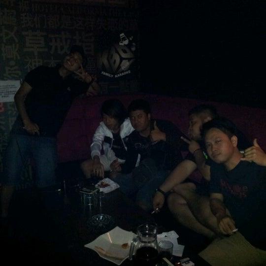 รูปภาพถ่ายที่ KBOX Plus โดย Wan V. เมื่อ 7/9/2012