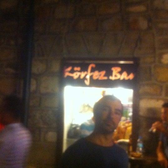 รูปภาพถ่ายที่ Körfez Bar โดย Seda Ç. เมื่อ 8/11/2012