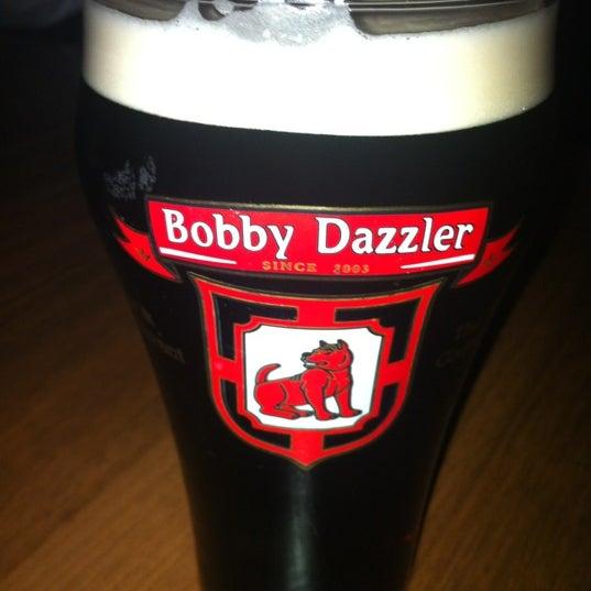 Снимок сделан в Bobby Dazzler Pub пользователем Julia S. 7/20/2012