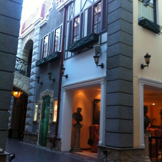 Снимок сделан в Golden Garden Boutique Hotel пользователем Luna B. 6/14/2012