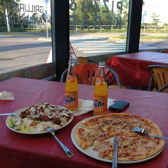 Foto diambil di Mega Pizza & Kebab oleh Pavel pada 7/10/2012